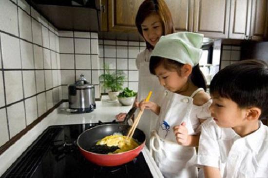 Học mẹ Nhật 8 bí quyết dạy con ngoan thật dễ dàng