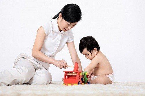 Mỗi ngày đều có thời gian dành cho con, chơi với con