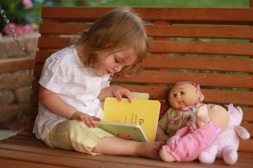 Bà mẹ Do Thái đã dạy con đọc sách từ nhỏ