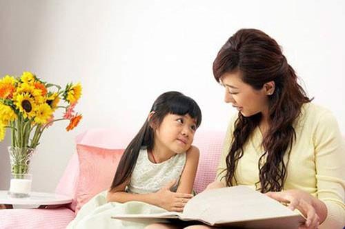 Chăm sóc cho trẻ đúng cách cũng là một chú ý quan trọng trong việc định hướng giới tính của trẻ