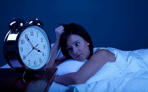 Hầu hết những người trẻ thường có thói quen thức khuya