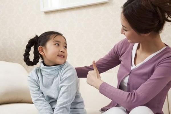 Trò chuyện giúp con phát triển ngôn ngữ